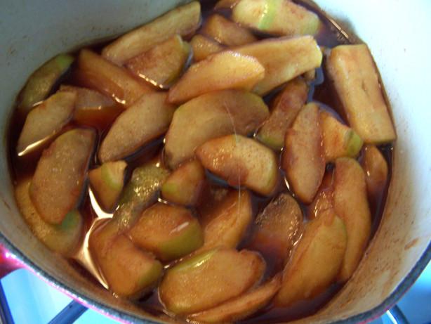 Tfah (Moroccan Apple Dessert)